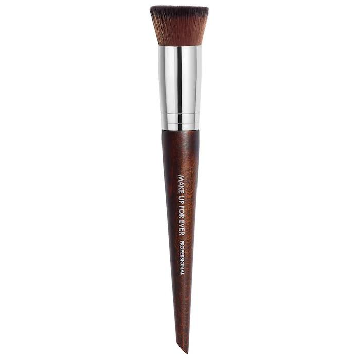 Кисть для тонального крема #116 Watertone foundation brush Make Up For Ever
