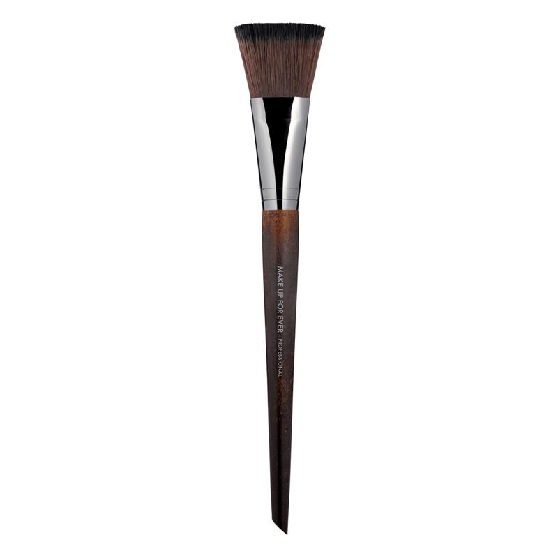 Кисть для коррекции #146 / Flat blush brush Make Up For Ever