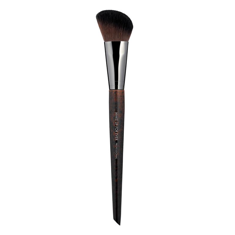 Кисть для румян #150 / Precision Blush Brush Make Up For Ever